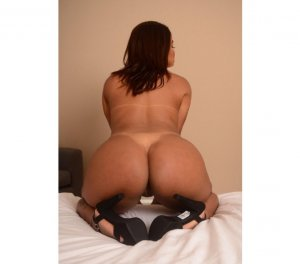 Cerena erotic massage in McMinnville