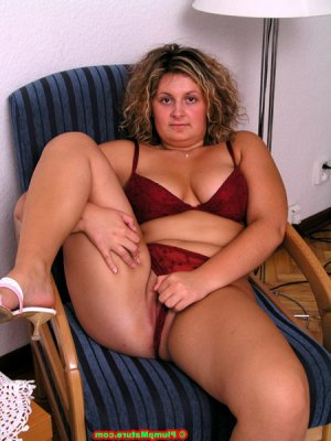 Milady live escorts in Palm Desert, CA
